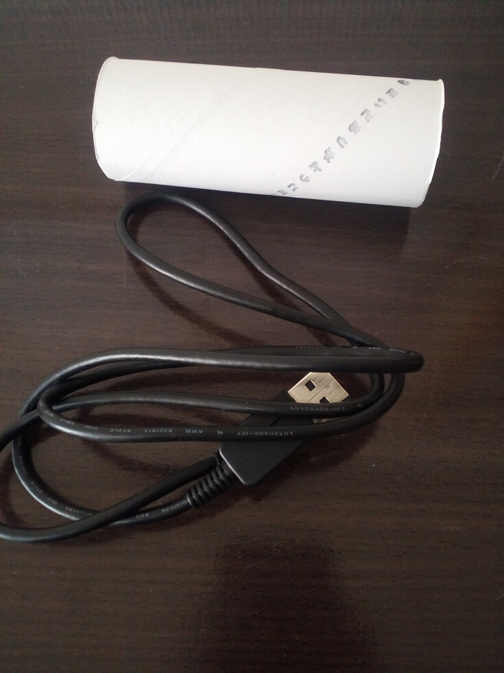 トイレットペーパーの芯USB01
